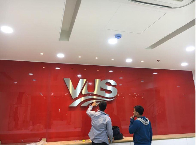 Một bảng hiệu đẹp sẽ gợi được sự tò mò cho khách hàng