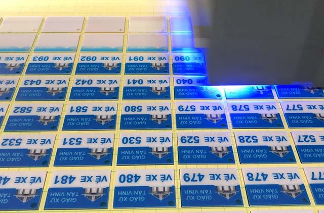 In thẻ nhựa với công nghệ in UV