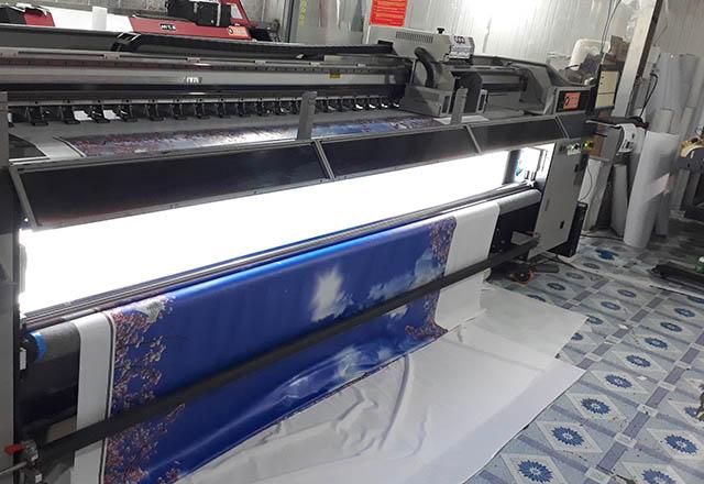 In bạt hiflex với máy in UV cao cấp