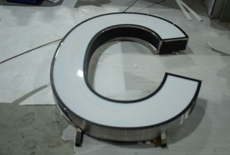 Chu-inox-long-vien-2
